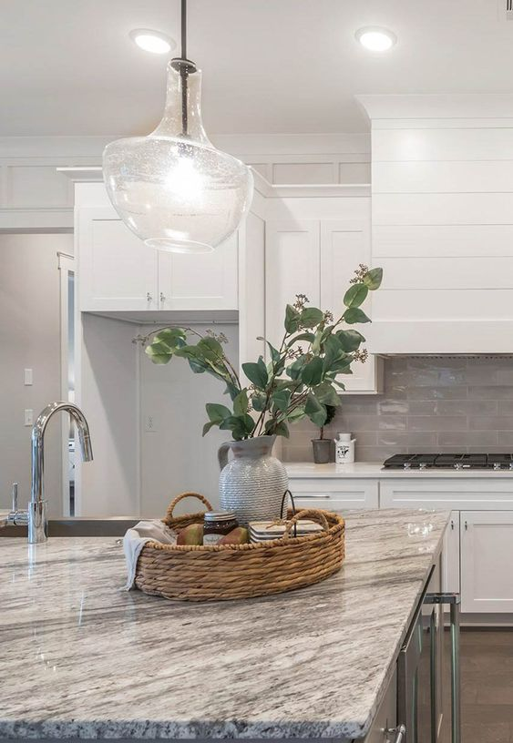 Showing the countertops when remodelling the kitchen