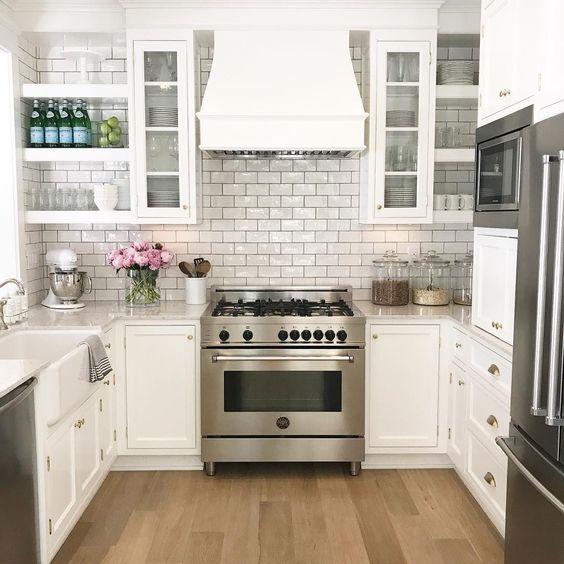 u shaped kitchen layout